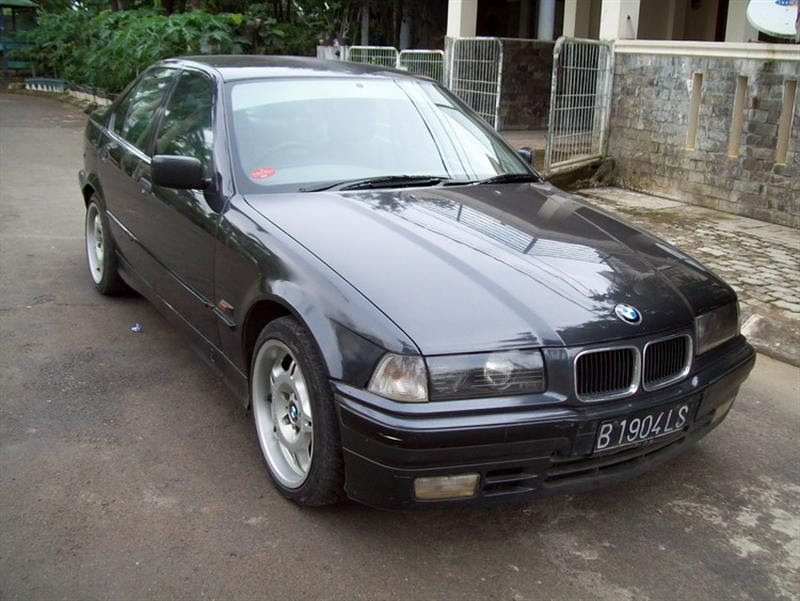 Jual bmw 318i facelift