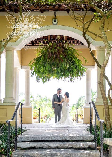 Ideas for a small garden wedding in florida. Help?!