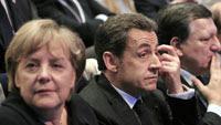 El presidente francés,  Nicolas Sarkozy, al centro; la canciller alemana, Angela Merkel, a la  izquierda; y José Manuel Durao Barroso en Marsella. Foto: AP