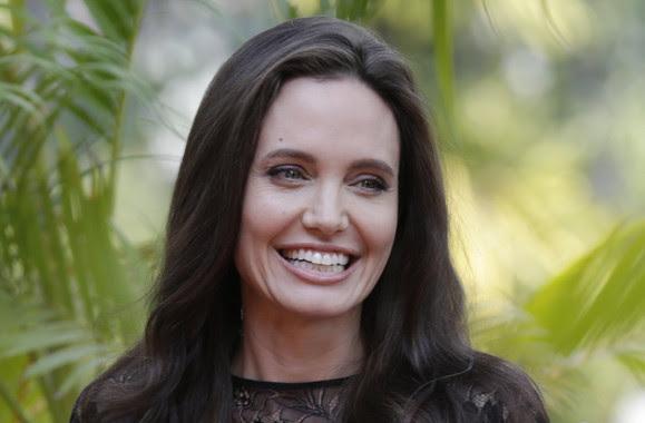 <p>Angelina Jolie se sometió a una doble mastectomía preventiva para evitar el cáncer de mama, ya que tenía fallos en BRCA1 y BRCA2, así como antecedentes familiares. / EFE/EPA/MAK REMISSA</p>