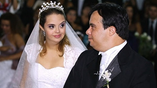 Hosana Gabriela e Dudu, casal com deficiência intelectual.