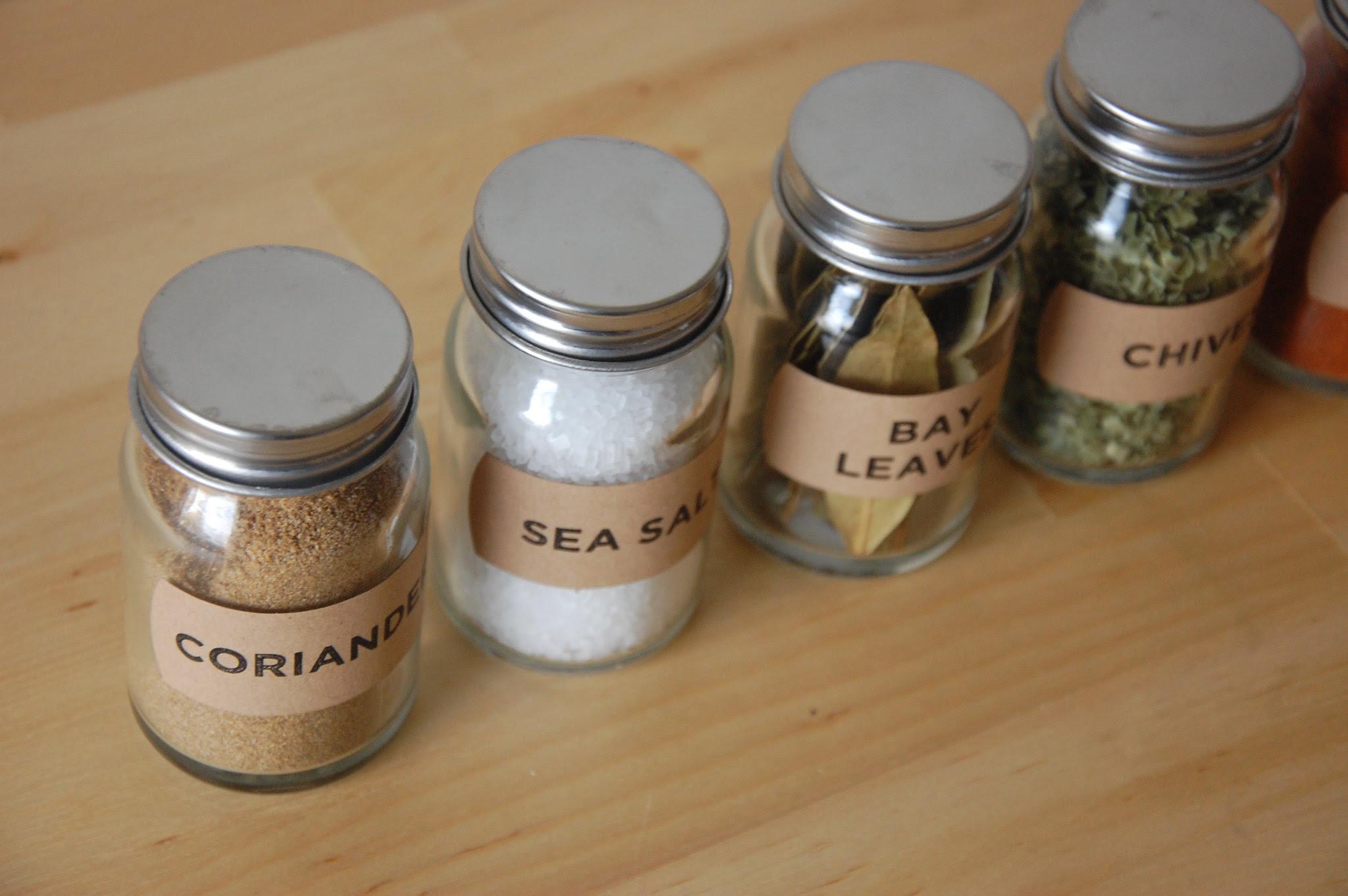 SIMPLE DIY SPICE JARS