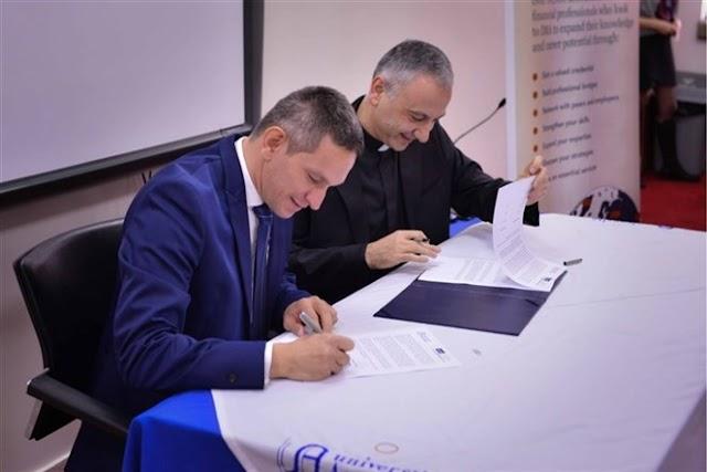 توقيع معاهدة بين الجامعة الانطونية والمنظمة العالمية Institute of Management Accountants