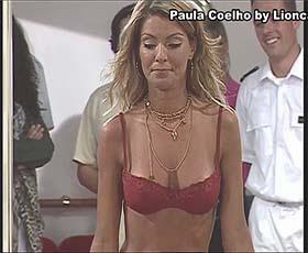 Paula Coelho sensual em lingerie na serie Maré Alta