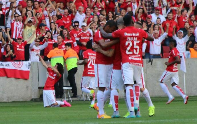 inter internacional atlético-pr valdívia gol beira-rio (Foto: Diego Guichard/GloboEsporte.com)