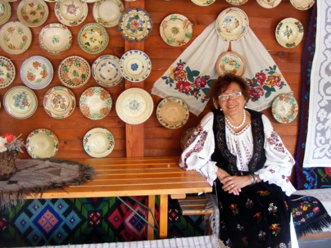 Maria Borzan directoarea Muzeului Etnografic din Reghin