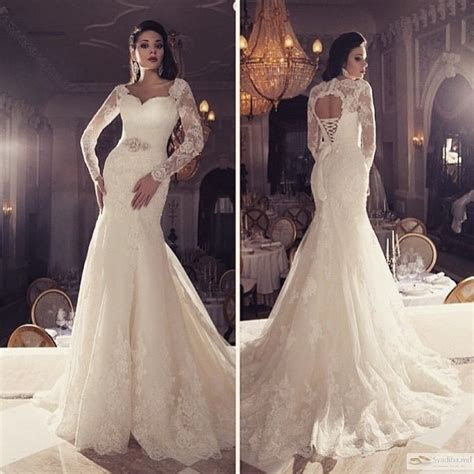 2015 Vintage Mermaid Sweetheart Lace Applique Hollow Back