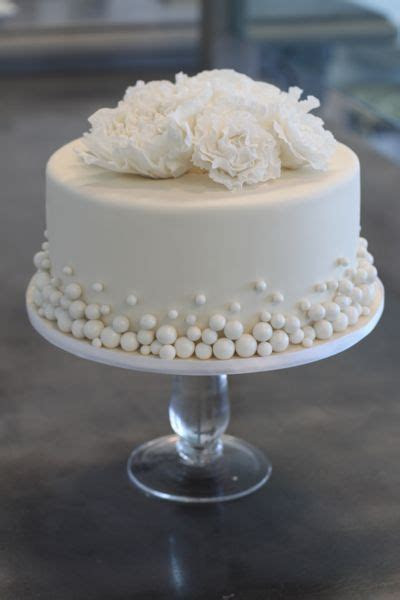 Best 25  Small wedding cakes ideas on Pinterest   Wedding