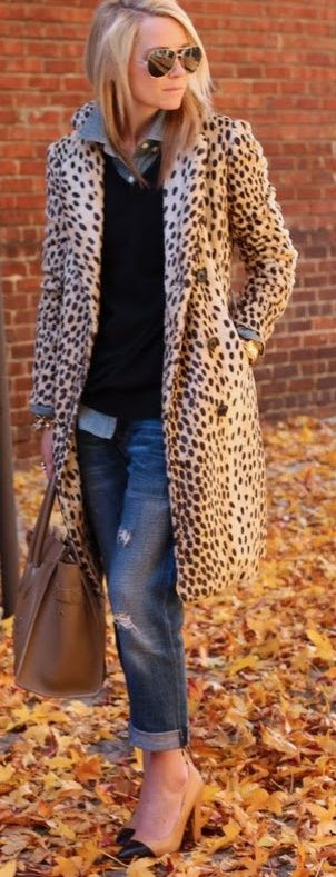 A great way to wear spots is with a vintage topper paired with otherwise contemporary pieces
