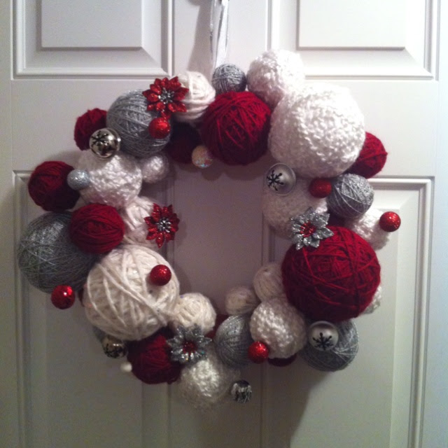 Christmas Yarn Wreath!