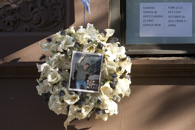 Wreath, 15th Street, New York