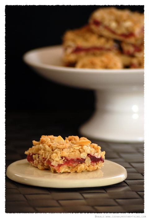 Rhubarb Crumble Slice© by Haalo