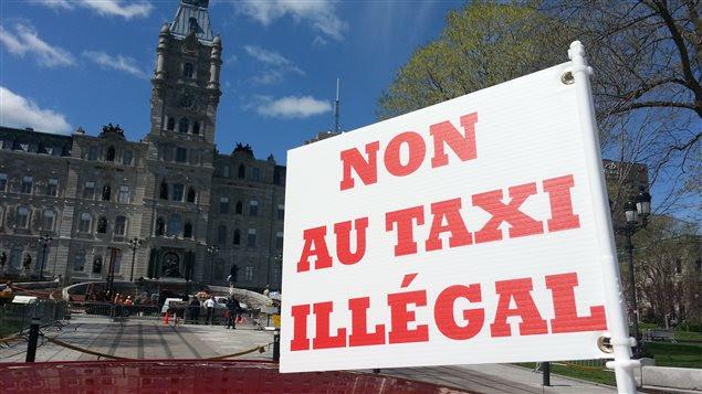 Des chauffeurs de taxi doivent manifester ce matin devant l'Assemblée nationale.