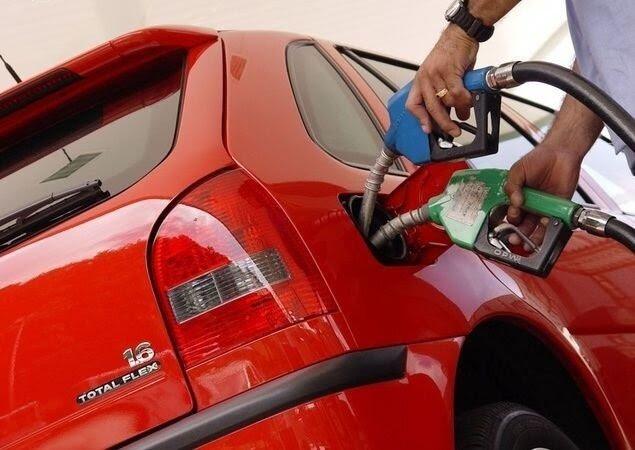 Resultado de imagem para greve dos caminhoneiros postos de gasolina