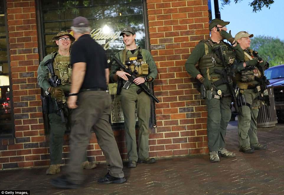 Newnan, Georgia proveyó de personal a aproximadamente 400 oficiales de policía de las jurisdicciones circundantes para la reunión de NSM el sábado