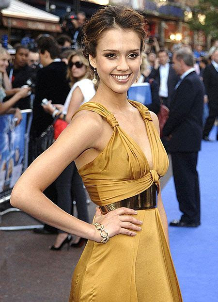 Jessica Alba Fantastic 4 Wedding Dress