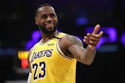 'Courtside Karen' trends on Twitter as fans and players react to LeBron James' jibe at ejected heckler