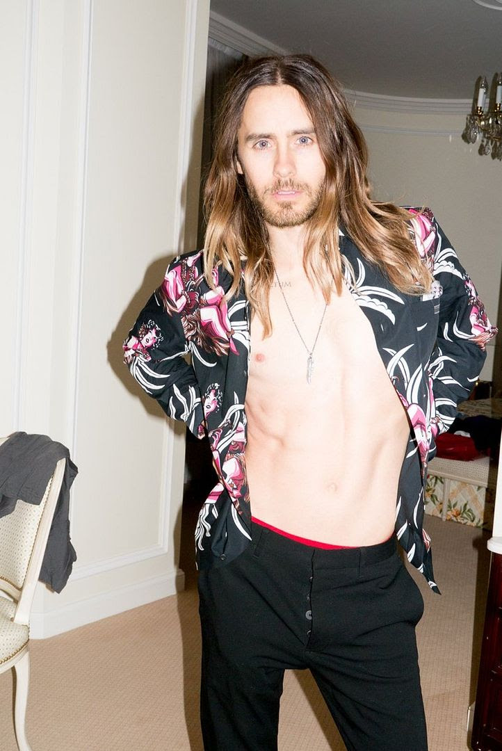 Le Fashion Blog Jared Leto By Terry Richardson Photos Open Prada Hawaiian Print Shirt Long Ombre Hair Beard 7 photo Le-Fashion-Blog-Jared-Leto-By-Terry-Richardson-Photos-Open-Prada-Hawaiian-Print-Shirt-7.jpg