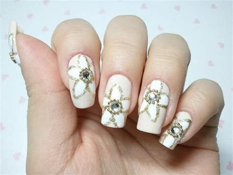 Sparkle And Glitter Wedding   Bridal Nail Designs