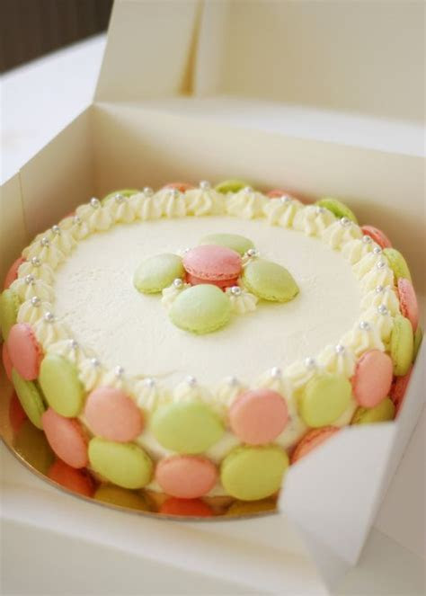 154 best cake with macaron images on Pinterest   Macaroon