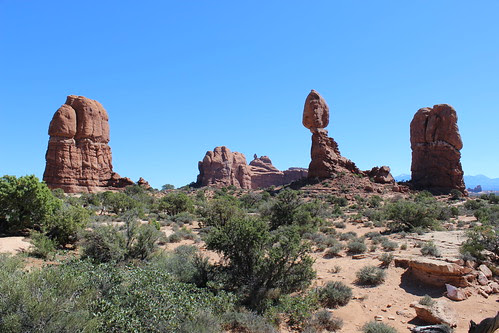 IMG_2518_Balanced_Rock_Arches_NP
