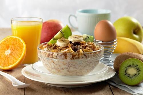 Πρωινό: Πώς θα σου αυξήσει την απόδοση με 5 τρόπους