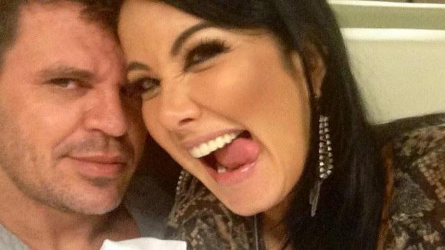 Eduardo Costa e Helen Ganzaroli terminaram o namoro após apresentadora descobrir traições