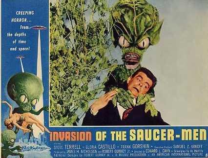 invasion_saucer-men_f01