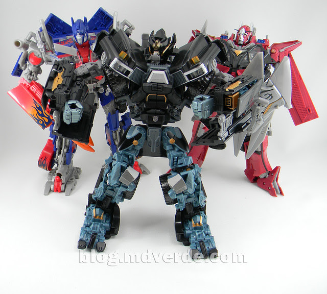 Transformers Ironhide Leader - Dark of the Moon - modo robot vs Optimus vs Sentine