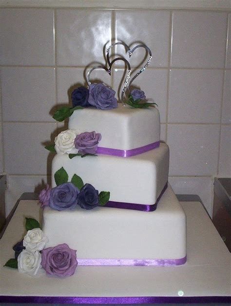small 3 tier wedding cakes     /lilac roses square 3