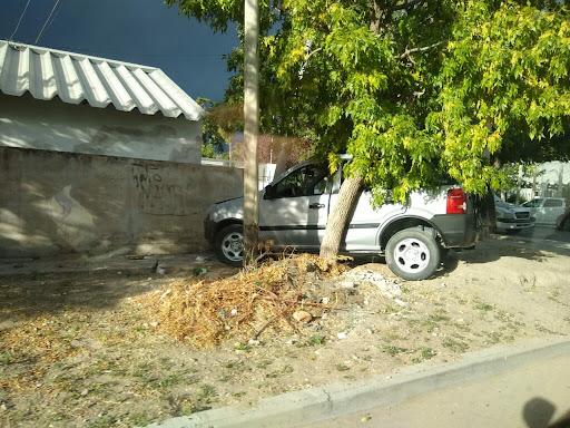 dos accidentes pero sólo con daños materiales