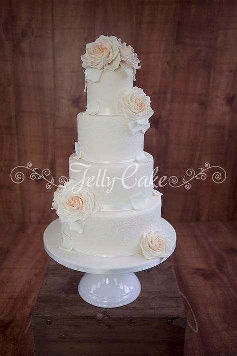 peaches and cream wedding cake