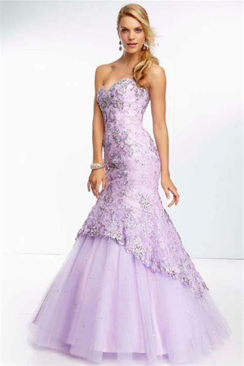 1000  ideas about Corset Prom Dresses on Pinterest   Red