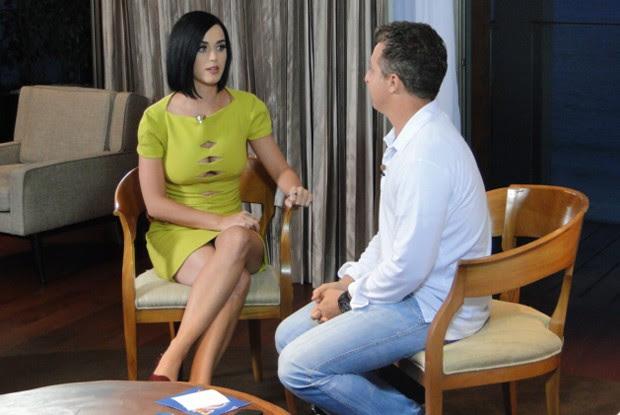 Katy Perry bate um papo com Luciano Huck (Foto: Caldeirão do Huck/ TV Globo)