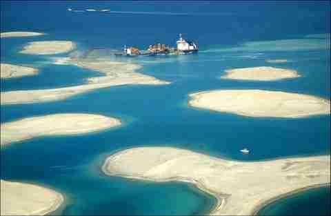 Πως κατασκευάζουν τεχνητά νησιά στο  Ντουμπάι