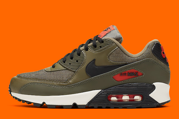 """detailed look 9d439 c5bd5 """"Undefeated"""" Colors Hit The Nike Air Max 90"""