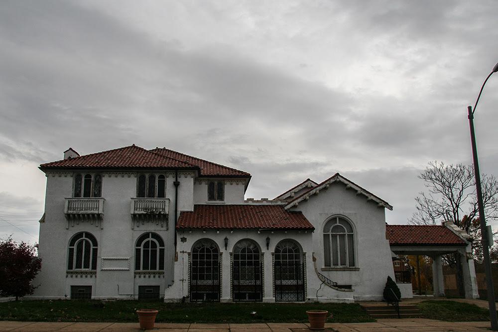 Funeral Home © 2014 sublunar