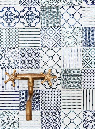 blue tiles...gorgeous!