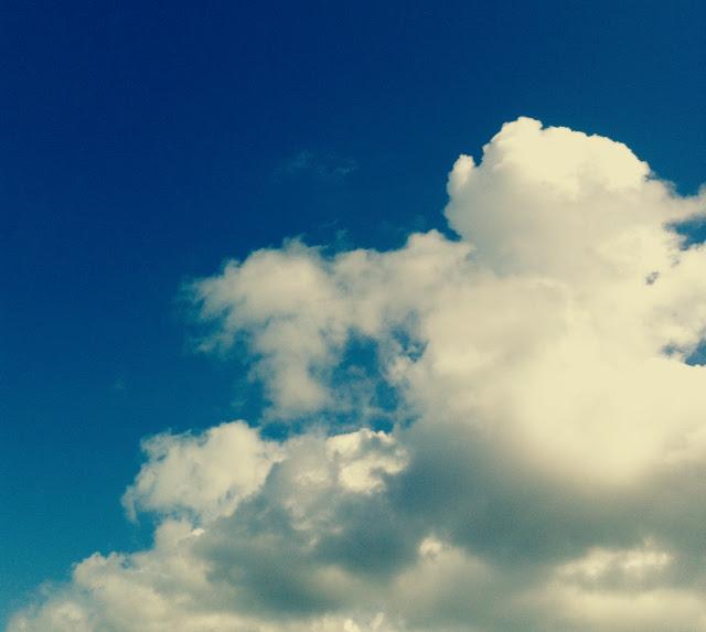 14 blue skies uk british weather lifestyle blogger