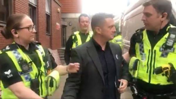 Image result for Tommy robinson being arrested