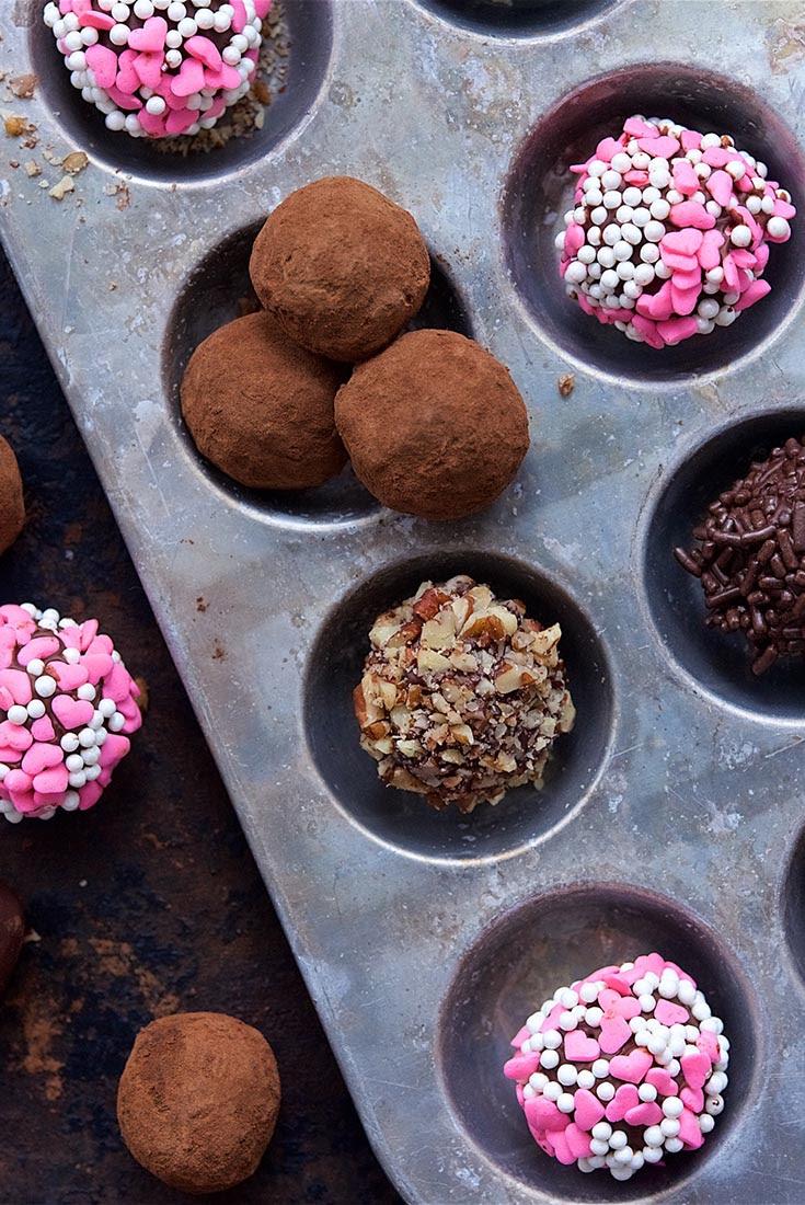 Deluxe Chocolate Truffles Recipe   King Arthur Flour