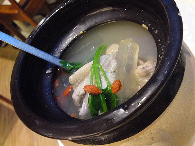 Chicken soup with winter melon, scallops, aloe vera and red dates