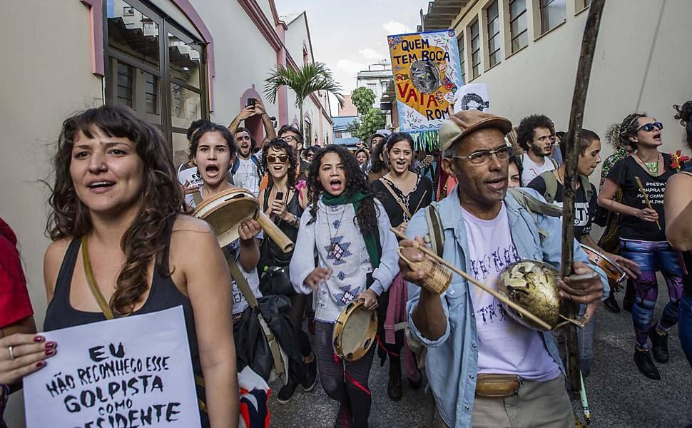 Funarte em SP é ocupada em protesto contra governo Temer e fim do MinC