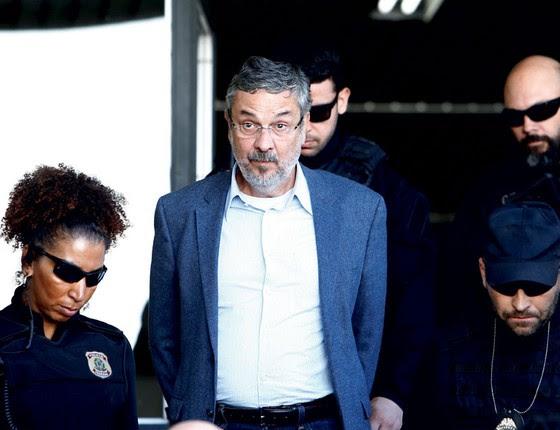O ex-ministro Antonio Palocci é preso pela PF.Ele é acusado de operar negócios ilicitos no Brasil e no exterior (Foto: Rodolfo Buhrer / Reuters)