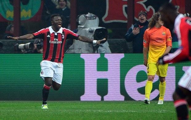 Milan anula o Barcelona, vence em casa