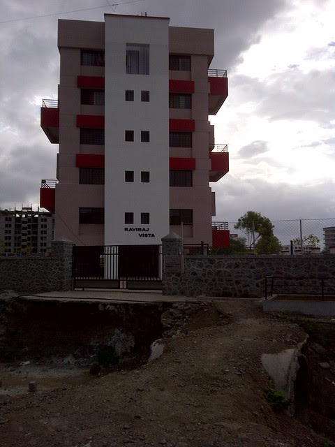 Approach of Raviraj Vista on the way to Amit's Sereno, 2 BHK & 3 BHK Flats near Pancard Clubs, Baner Pune 411045