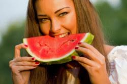 mulher-come-melancia1