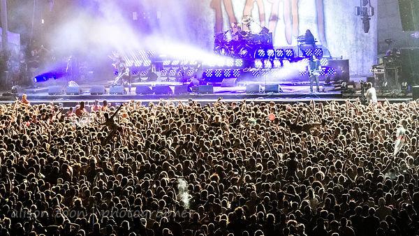 Huge crowd for Korn