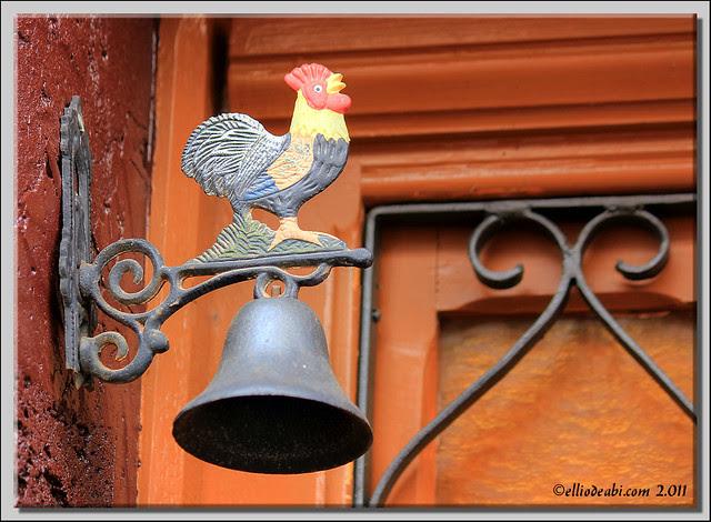 Detalle puerta en Castil de Lences