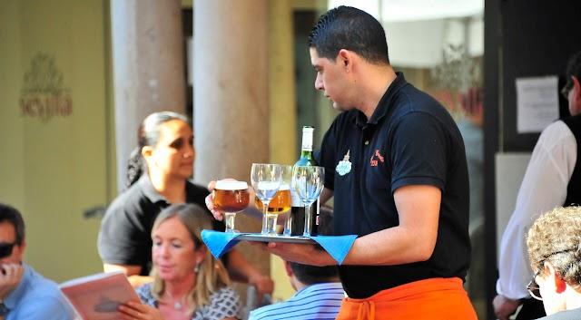 CAMAREROS/AS PARA IMPORTANTE HOTEL (CON O SIN EXP)